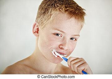 brossage, garçon, sien, jeune, dents