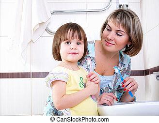 brossage, leur, dents, fille, mère