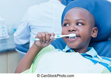 brossant dents, dentistes président, garçon