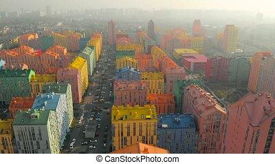 brouillard, sur, bâtiments, secteur, résidentiel, coloré