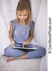 brouter, tablette numérique, à, les, couette, abri