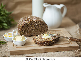 Brown bread with sunflower seeds