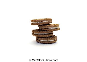 Brown sandwich cookies
