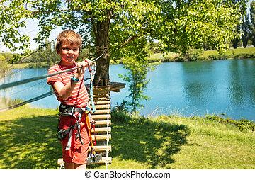 brug, jongetje, op, twee, bomen, koord, wandelingen