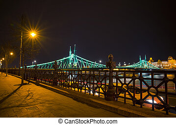 brug, vrijheid