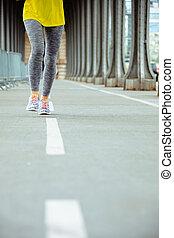 brug, vrouw, bir-hakeim, parijs, pont, de, jogging, closeup