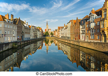 Bruges in the early morning - Spiegelrei in Bruges in the...
