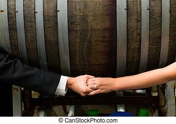 bruid, bruidegom, holdingshanden