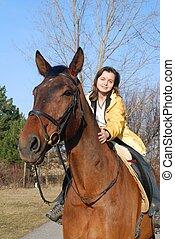 bruin paard, vrouw, groot, jonge, paardrijden