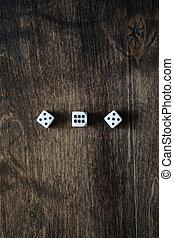 bruine , houten textuur, dobbelstenen, tafel, witte