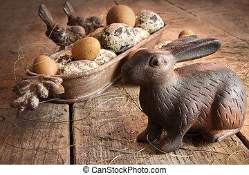 bruine , paaseitjes, met, antieke , konijntje, op, hout