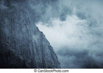 brumeux, dramatique, montagne