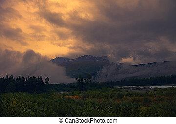 brumeux, levers de soleil, montagne