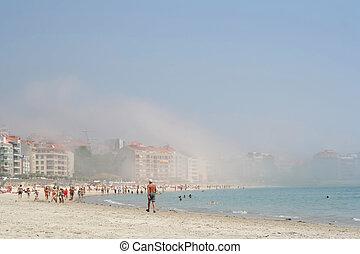 brumeux, plage, levers de soleil
