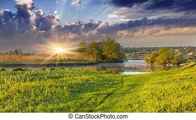 brumoso, encima, río, espectacular, salida del sol