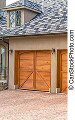 brun, extérieur, vertical, maison bois, luxueux, portes garage, élégant