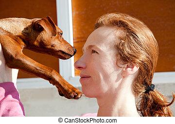 brun, mini, pinscher, hund, og, redhead, ejer