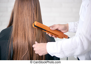 brun, straighting, dos, longs cheveux, client's, hair., ...
