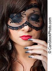 brunetka, closeup, dziewczyna, maska, oczy, chodząc, sztuka, młody, koronkowy, portret, pociągający, manicure, delikatny, ciemny, kółeczka, długi, jej