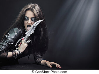 brunetta, attraente, bellezza, coltello