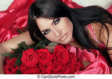 brunetta, bellezza, bed., rose, strabiliante, donna, portrait., rosso, dire bugie