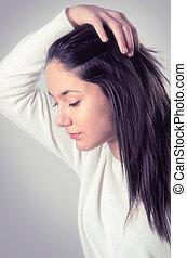 brunette, adolescent