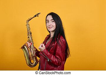 brunette, gagnant, oui, geste, jeune, dire, saxophone, garder