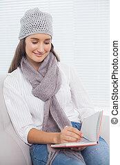 brunette, hiver, elle, écriture, cahier, joli, chapeau