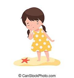 brunette, illustration, etoile mer, avoir, girl, adorable, fetes, regarder, dessin animé, enfant, gosses, vecteur, plage, activités, été, debout, amusement