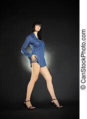 brunette, jambes, sombre, long, poser, mode