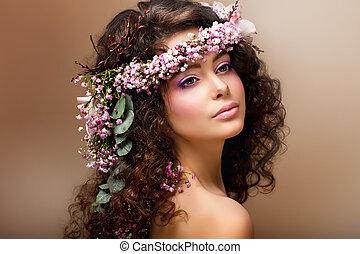brunette, ligesom, girlande, nymph., ser ud, engel, blomster, henrivende, sensuelle