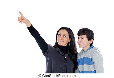 brunette, mère, quelque chose, projection, fils, sien, adolescent