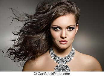 brunette, magnifique