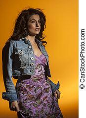Brunette Model - A beautiful brunette model in a studio ...