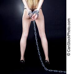 brunette, nue, dos, arrière-plan noir, sexy, chaînes, sur