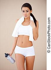 brunette, portrait, femme, fitness, après