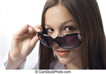 brunette portrait with sunglasses