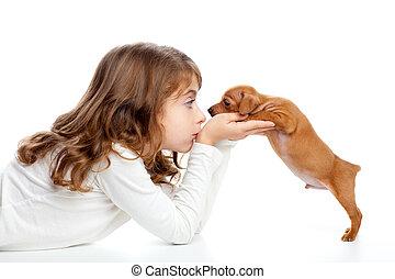 brunette, profiel, meisje, met, dog, puppy, mini, pinscher