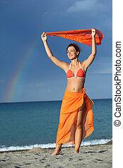 brunette, tenue femme, écharpe, bikini, sur, orange, tête, arc-en-ciel, jeune, elle, sourire, pareo