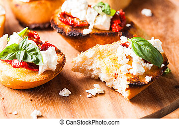 bruschetta, com, sundried, tomates