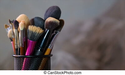 Brushes for make-up, rotation in a circle - Brushes make-up...