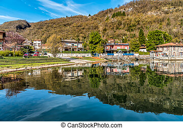 Brusimpiano, is a small village located on the shore of lake Ceresio in province of Varese.