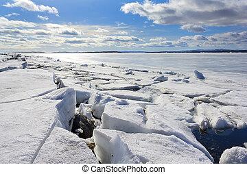 bruten, solig dag, is