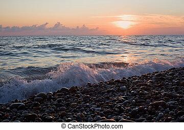 brzeg, morze, fale, plaża, zachód słońca, kamienisty