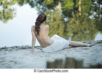 brzemienny, plaża, leżący, żona