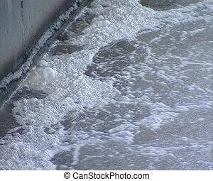 bubble sewage water clean - Bubbling sewage water treatment...