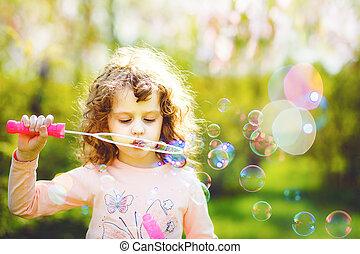 bubbles., peu, souffler, girl, savon
