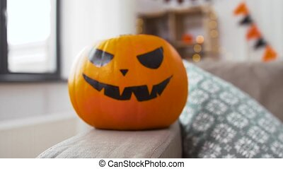 buchse-o-laterne, halloweenkuerbis, daheim