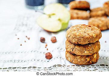 buckwheat apple banana hazelnut dates vegan cookies. toning....