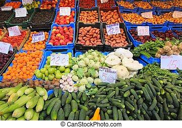 Budapest food market